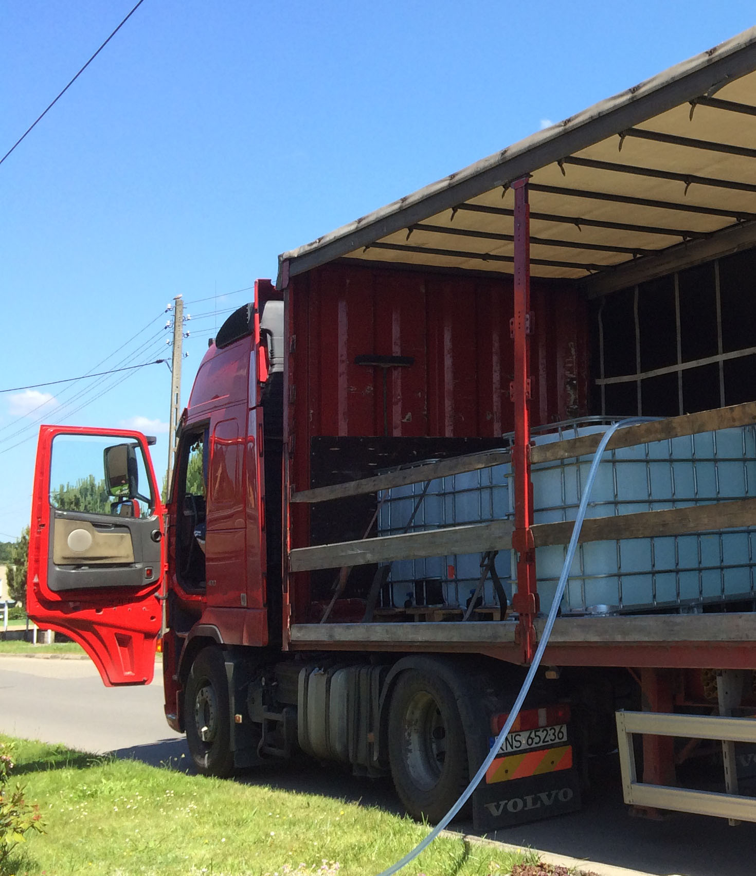 Produkujemy dostarczamy wodę demineralizowaną na terenie całej Polski
